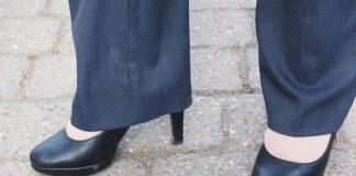 Spodnie w kolorze metalicznym